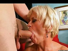 Blond Gilf Cock-sucker